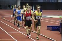 Atlet Matěj Eliáš se stal halovým mistrem republiky v závodě na osm set metrů.