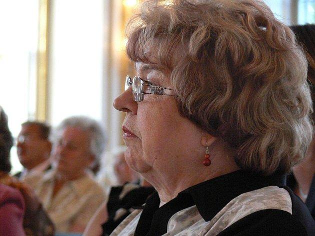 Ve Sněmovním sále kroměřížského Arcibiskupského zámku se v pondělí 3. října 2011 konal koncert pro seniory. Zazpíval jim holešovský dětský sbor Moravské děti.