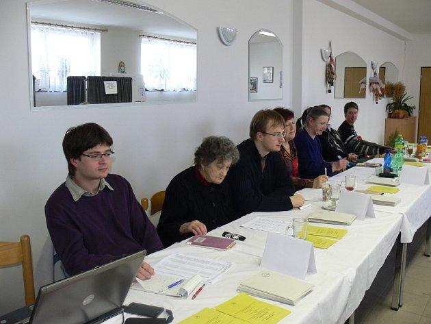 Kroměřížanka Marta Nováková byla ve volební komisi už po šesté. Baví ji na tom, že je stále v kolektivu zajímavých lidí.
