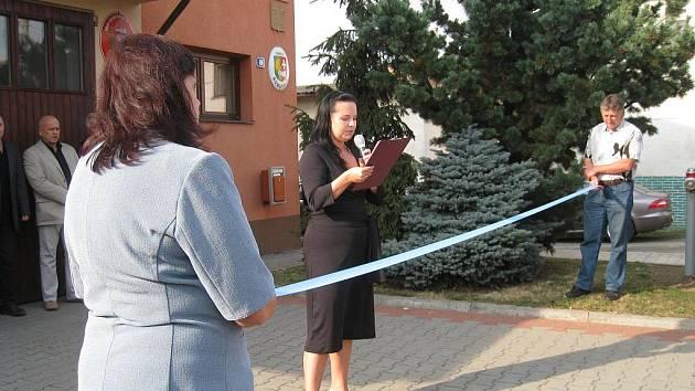 V Kurovicích ve čtvrtek 6. října 2011 slavnostně otevřeli nový vodovod. Investice vyšla na necelých sedmnáct milionů korun.
