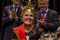 Hana Pacíková ze VPŠ a SPŠ MV v Holešově získala 27. března v Praze titul Zlatý Ámos, nejoblíbenější učitelku.