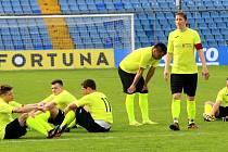 Smutní hráči Skaštic po penaltovém rozstřelu ve finále krajského poháru