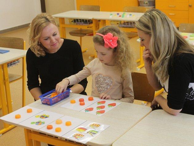 Prvňáčci prošli svou první zkušeností se školou přímo u zápisu na 3. Základní škole v Holešově, který se konal 12. února.
