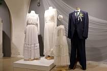 Výstava Příběh svatebních šatů v Muzeu Kroměřížska.