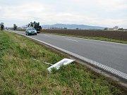 V Třeběticích na Holešovsku někdo vyvrátil dopravní zančku označující začátek obce.