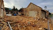 Koryčany po tragické explozi v rodinném domě. Na snímcích místo den poté, ve čtvrtek 16. září 2021