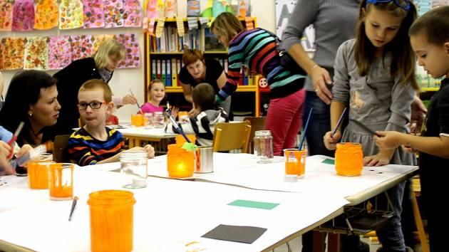 V holešovské 3. základní škole pořádali podzimní dílničky pro předškoláky.