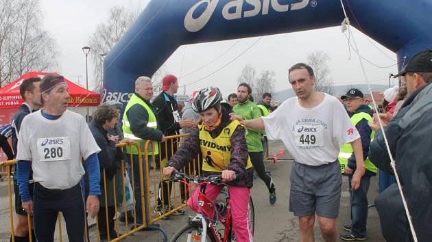 Běžecký závod s názvem Rohálovská desítka se letos konal už po dvaadvacáté.