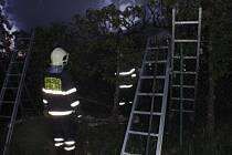 Už druhý požár zahradní chatky během jediného týdne museli v pátek 15. května brzy ráno řešit hasiči v Hulíně. Zda je mezi případy nějaká souvislost, určí vyšetřování.