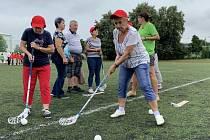 Senioři z regionu změřili síly při sportovním dopoledni.