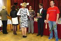 Za bezpříspěvkové dárcovství krve předali v Kroměříži zlaté medaile, stříbrné medaile a zlaté kříže Prof. MUDr. Jana Janského.