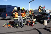 Taktické cvičení hasičů na dálnici D1 u Hulína.
