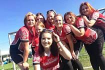 DRUŽSTVO ŽEN. Požárního sportu se za SDH Počenice účastní i družstvo žen, které si pravidelně ze soutěží odváží úspěchy a medaile.