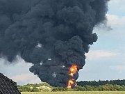 Požár v areálu Čepro v Loukově