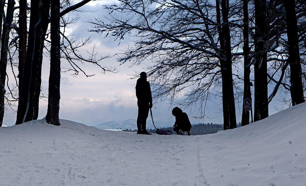 Zasněžený  Tesák a Hostýnské vrchy. 29.1.2020