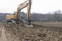 V Olšině vzniká nový revitalizační rybník s obnovou náhodu. V minulosti už v místě dříve rybník byl.