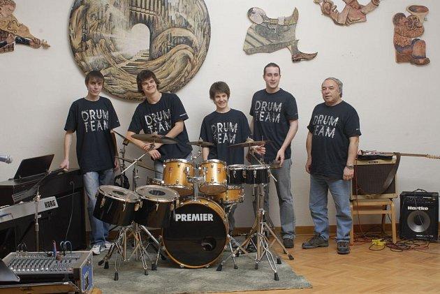 Drum Team.