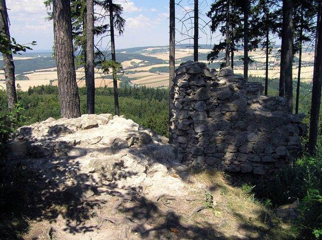 Zřícenina hradu Střílky.