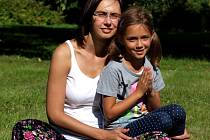 Gabriela Zezulková z Kroměříže propaguje jógu pro děti: podle ní jde o cvičení, které pomáhá k vyrovnanosti a klidu.