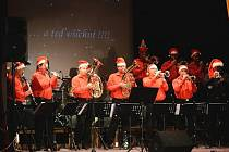 Dechová hudba Hulíňané vydala koncem roku 2014 své první koncertní DVD.