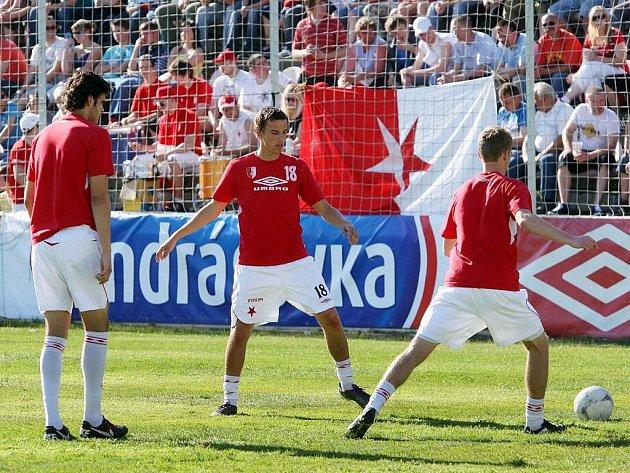 Kroměříž hostí v úterý 10. května nějvětší zápas své dosavadní fotbalové historie, když domácí Hanácká Slávie bojuje v semifinále s hosty z Mladé Boleslavi. Na stadion se sešli tisíce fanoušků.