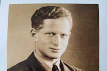 Tomáš Lom v uniformě RAF.