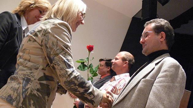 Ve středu 19. října 2011 se v sále Domu kultury Kroměříž uskutečnilo slavnostní předávání zlatých a stříbrnných medailí a zlatých křížů Jana Jánského za bezplatné dárcovství krve.