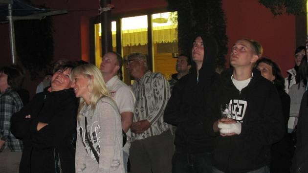 V sobotu 14. 7. pořádala morkovická Kulturní komise tradiční Červencovou noc s ohňostrojem.