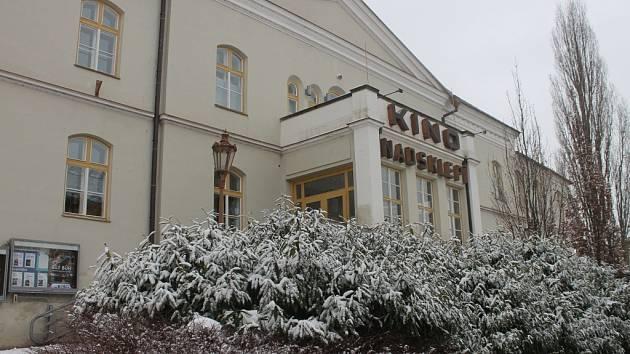 V kroměřížském Kině Nadsklepí také promítají Padesát odstínů šedi.