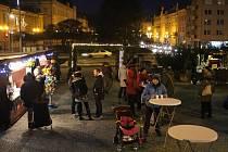 Advent s Domem kultury přinesl jarmark i čertovsko-mikulášskou show.