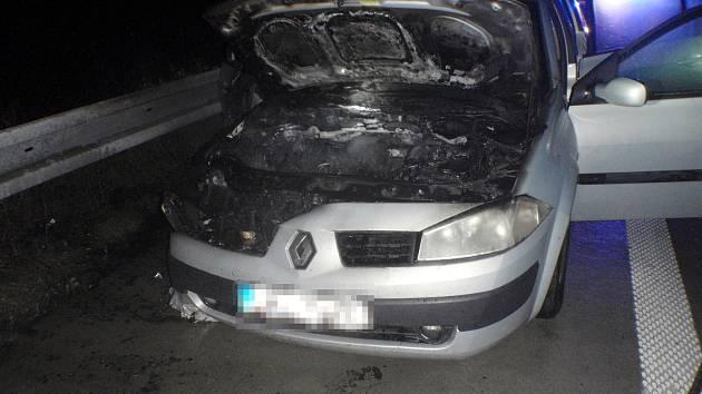 Nehoda automobilu na dálnici u Kroměříže.