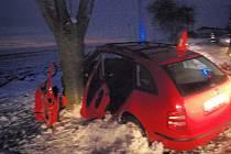 Vážná dopravní nehoda u obce Rataje.