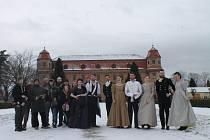 Mladí filmaři natáčí v holešovském zámku Evžena Oněgina.