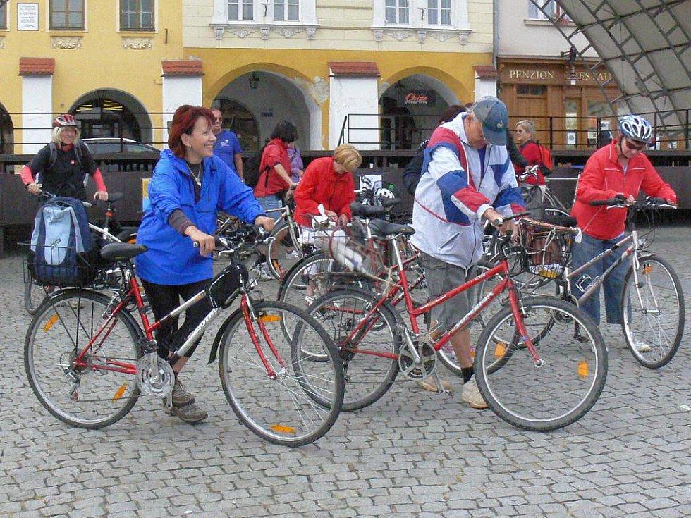 V Kroměříži se v sobotu 17. září 2011 v rámci Evropského týdne mobility konala cyklojízda. Sraz účastníků byl na Velkém náměstí, cíl v Postoupkách, kde se nachází Vodní Eldorádo. Tam byl připravený karneval.