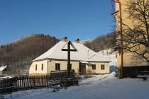 Rusavská farnost obdrží dvacet tisíc korun na opravu střechy a podkroví.