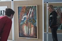 Ladislav Šesták známý malíř vystavuje své relalistické obrazy v kroměřížském Domě Kulutry. Návštěvníci mohou vidět reálné zachycení jeho vlastního života takovým, jaký doopravdy je.