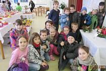 Holešovští zahrádkáři uspořádali od pátku 20. do neděle 22. listopadu svoji tradiční každoroční výstavu ovoce: součástí byly i Medové dny tamních včelařů.