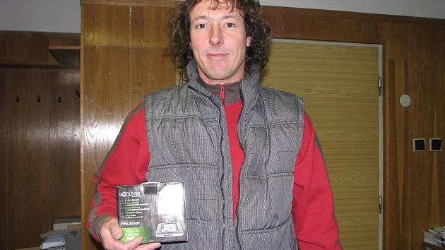 Josef Šarmír se stal výhercem tipovací soutěže Fortuna liga. Odnesl si GPS navigaci.