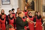 Benefiční koncert Dívčího pěveckého sboru SPgŠ Kroměříž před začátkem adventu 2019.