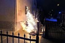 Požár plynové přípojky u domu v Braunerově ulici v Kroměříži
