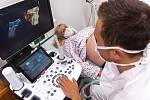 V Kroměřížské nemocnici mohou nastávající rodičky získat snímky a videa ještě nenarozených potomků. Umožňuje to moderní 3D/4D utrazvuk, který zdravotnické zařízení nedávno pořídilo za 1 milion korun.