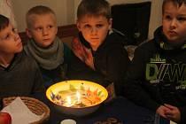 Děti z 3. Základní školy v týdnu navštívily holešovské kovářské muzeum: dozvěděly se mnoho o tradicích a navíc některé si i vyzkoušely.