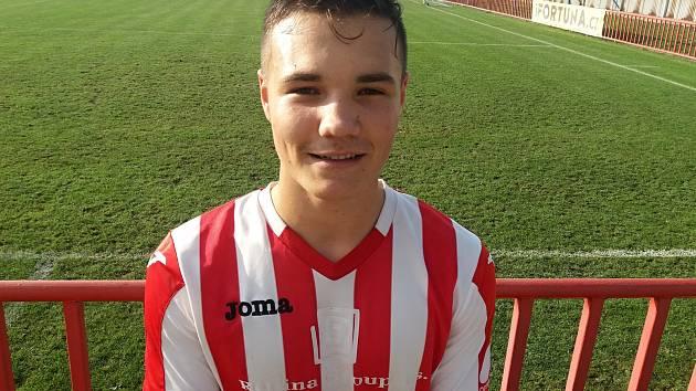 Devatenáctiletý Viktor Rožek jako střídající hráč Hulín srovnal výsledek na hřišti Otrokovic.