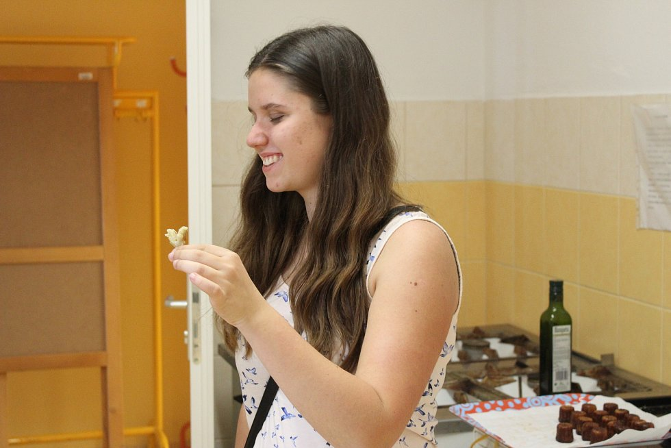 V rámci prvního ze dvou Francouzských dní mohli návštěvníci ochutnat mnoho francouzských specialit. Ty pro ně připravil rodilý Francouz, který je v TyMy centru jako dobrovolník.