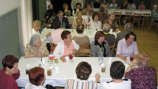 V Klubu Starý pivovar v Kroměříži proběhlo ve středu 11. března 2009 výroční shromáždění Klubu seniorů.
