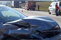 Pomoc hasičů po dopravní nehodě na dálnici u Kroměříže