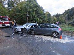 K nehodě, při níž utrpěli zranění tři lidé, vyráželi uplynulou sobotu 7. října odpoledne kroměřížští dopravní policisté ke známého penzionu Bunč v katastru Kostelan.