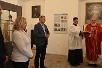 Slavnostní otevření Pamětní síně sv. Jana Sarkandra v Holešově.
