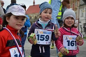 BĚHEM KE ZDRAVÍ. Program holešovského Dne zdraví mimo jiné nabídne i charitativní běžecké závody.