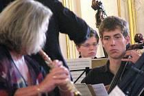 Ve Sněmovním sále Arcibiskupského zámku v Kroměříži se v sobotu 14. srpna 2010 konal koncert, na kterém se představil smyčcový orchestr mladých ze Švýcarska.